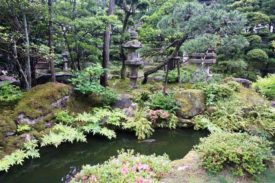 The gardens at Nishimuraya Honkan.