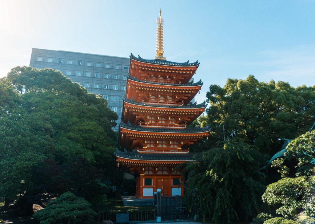 Red pagoda at Tochoji Temple in Fukuoka