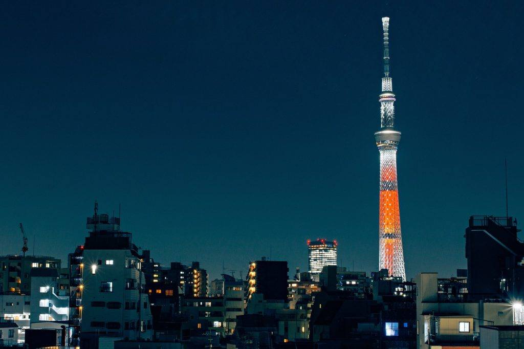 Nighttime photo of the Tokyo Skytree tower