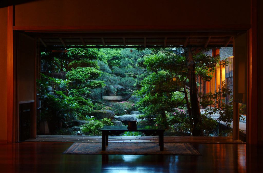 Sitting area of Nishimuraya Honkan